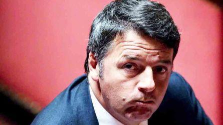 L'attacco di Renzi: 'Invece di postare foto con pane e Nutella Salvini dovrebbe fare il ministro'