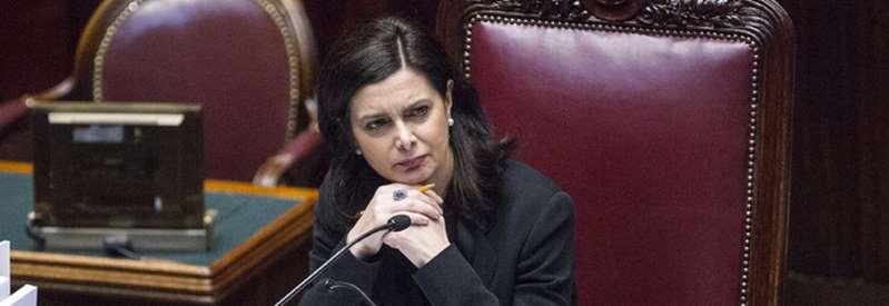 Laura Boldrini aggredita all'aeroporto di Fiumicino: 'Prima gli italiani, vergogna'