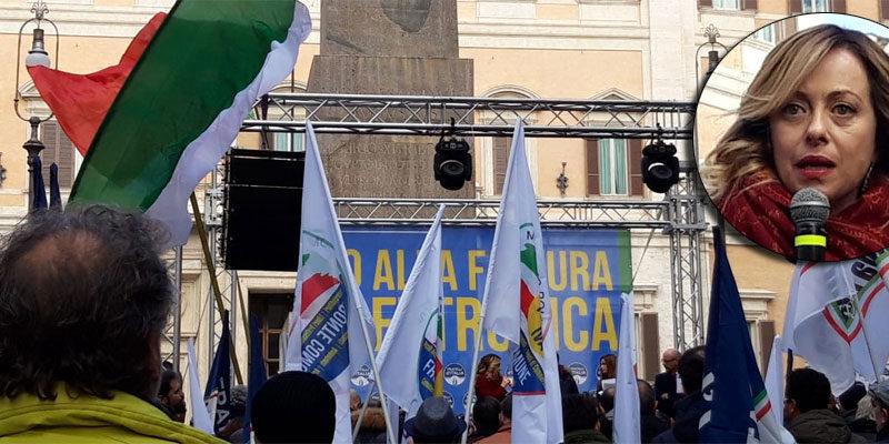 In piazza a Montecitorio con la Meloni: 'Governo in malafede: fatture elettroniche, mazzata per chi lavora'