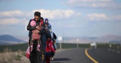 Migranti: 4.500 fermati a confini Turchia