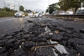 Manovra, stop all'emendamento per la riparazione delle buche di Roma