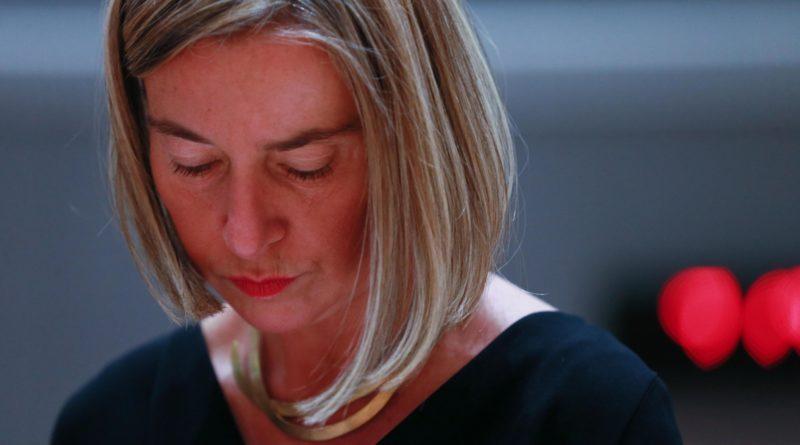 """Merkel molla la Missione Sophia. Mogherini: """"Pronti a chiuderla se Italia non la vuole"""""""