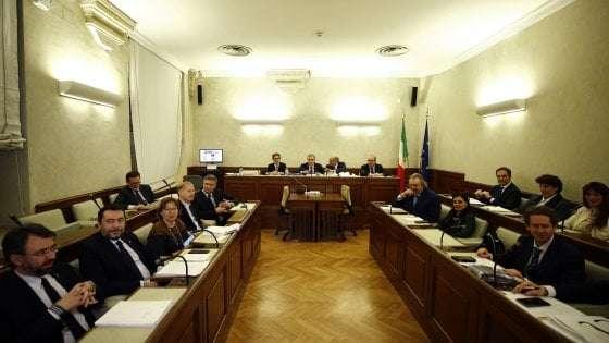 Diciotti: 'Giunta respinge autorizzazione a procedere su Salvini'