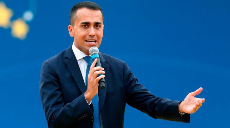 Caso Diciotti, M5s 'scarica' Salvini e si affida al voto online