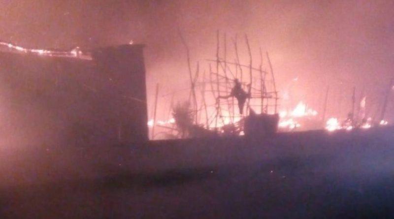 Migranti, rogo in baraccopoli a Reggio Calabria: una vittima