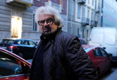 """""""Addio di Beppe al M5S. Farà il comico"""""""