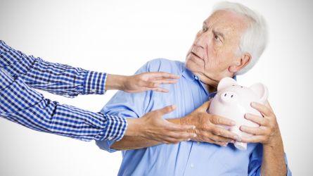 Pensioni, quota 100: assegni dal 1° aprile, ma a rischio ritiro