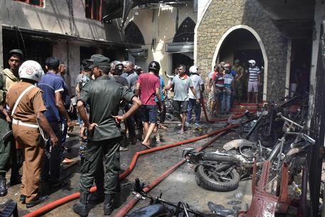 Sri Lanka: bilancio delle vittime sale a 359