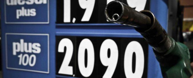Benzina, prezzo sopra i due euro al litro in autostrada
