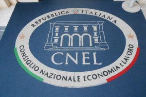 Lavoro e Damiano: 'Appoggiare proposta Cnel su codice contratti'