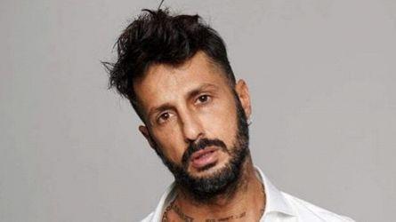 """""""Live – Non è la d'Urso"""", le immagini di Fabrizio Corona dal carcere di San Vittore a Milano"""
