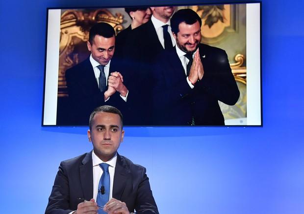 Di Maio: 'Parte Lega nostalgica governi con Berlusconi'