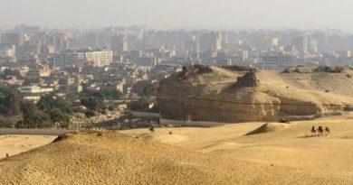 Egitto, bus di turisti colpito da un ordigno a Giza