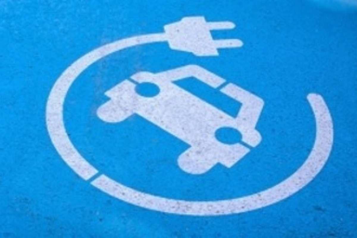 Auto elettriche, ecco quanto costeranno nel 2027
