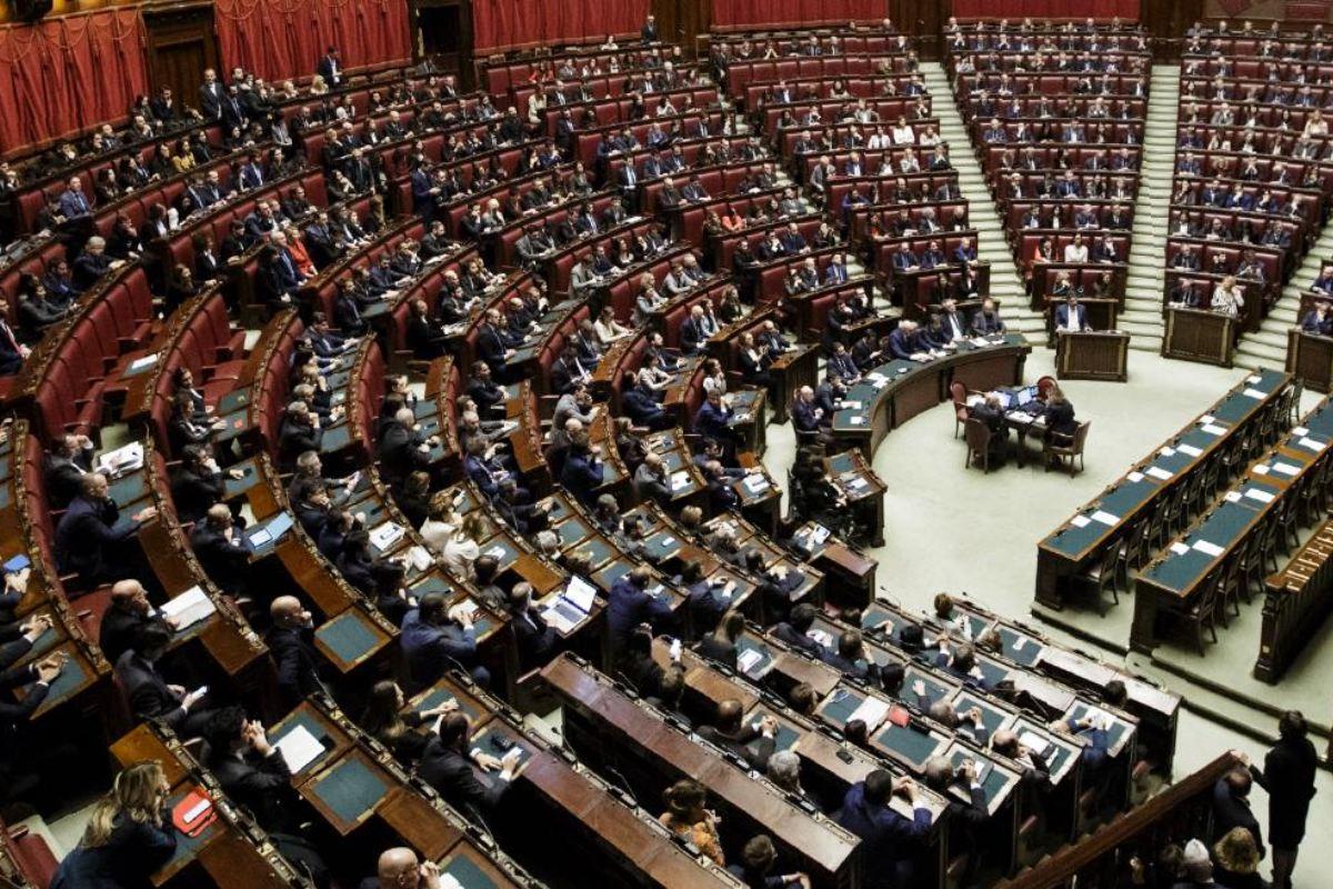 Taglio dei parlamentari primo via libera della camera for Camera dei