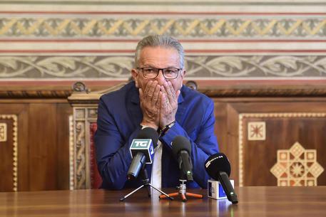 Legnano: sindaco Fratus ha dato dimissioni dopo arresto