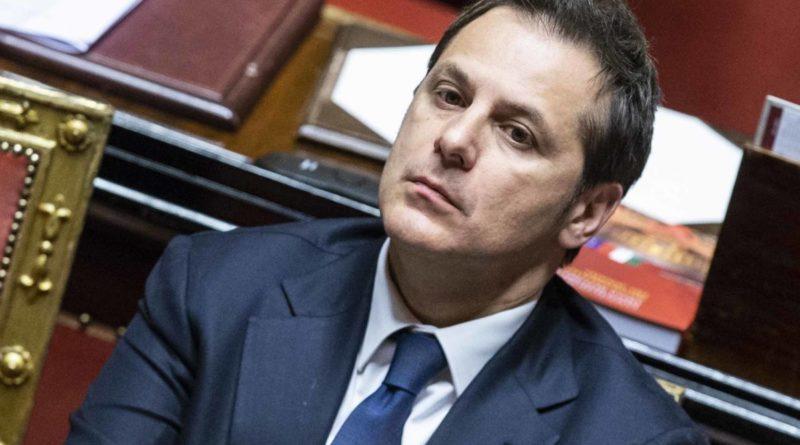 """Caso Siri, Arata intercettato: """"I politici quando li usi paghi"""". Fallito contatto con Mattarella"""
