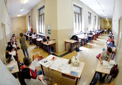 Scuola: misure straordinarie per assumere precari, ok a contratto presidi: +160 euro