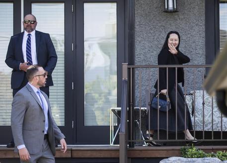 Lady Huawei trona in Cina: Pechina libera due cittadini canadesi
