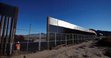 Giudice blocca il muro di Trump. Il presidente: Si favorisce il crimine