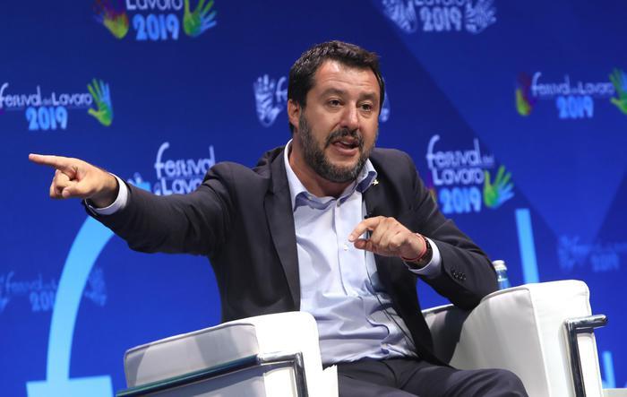 Salvini: 'Anticipiamo la manovra all'estate'