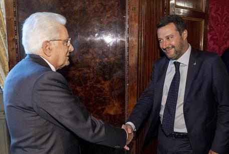Scontro su governo di unità nazionale, Salvini al Colle