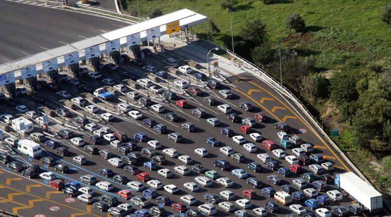 Autostrade, accordo nella notte: fuori i Benetton, entra Cdp
