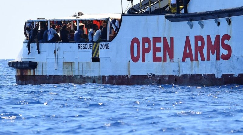 "Open Arms: ""Sbarco a Maiorca incomprensibile. Persone a bordo stremate"""