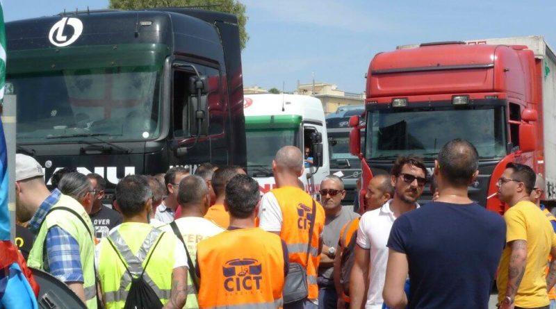 Porto Cagliari in crisi, occupata sede società terminal