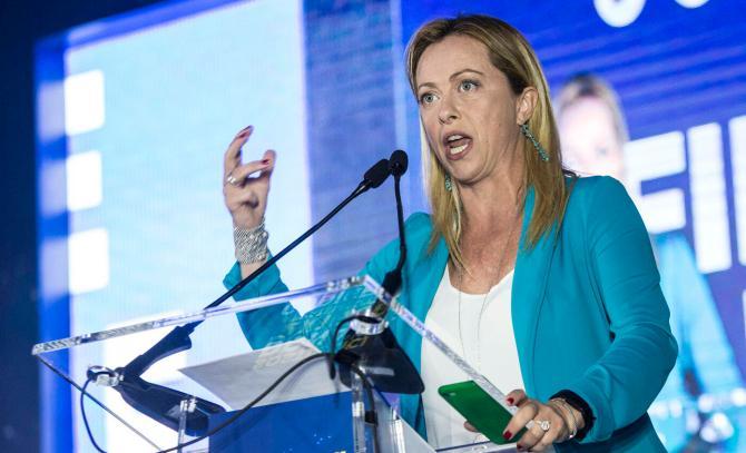 Elezioni e Meloni: 'Leo inventore flat tax contro Gualtieri ministro tasse'