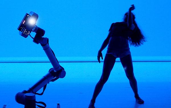 Teatro Vascello, 'Hu Robot',  Balletto Di Roma 4-5-6 ottobre venerdì h 21 – sabato h 19 – domenica h 17