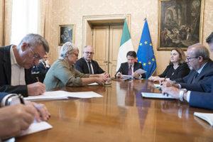 Lavoro e Damiano: 'Per più sicurezza cancellare sblocca cantieri'