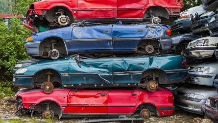 Rottamazione auto, arriva il bonus anche per diesel e benzina