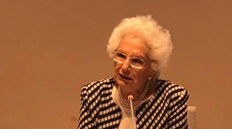 Liliana Segre tra Roberto Saviano e Giorgia  Meloni