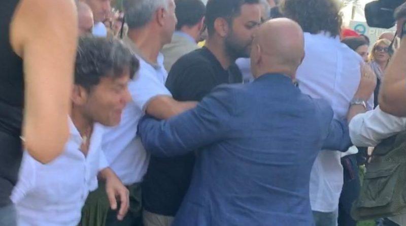 """Italia 5 Stelle. Aggredito Filippo Roma de Le Iene. """"Un vero e proprio tentativo di linciaggio"""""""