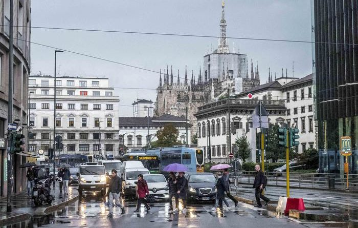Nubifragio su Milano. Allerta per il fiume Seveso