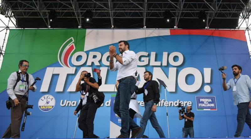 """Roma. Manifestazione centro destra. Salvini: """"Cambieremo l'Italia"""". Il Cav: Via governo di tasse e manette"""