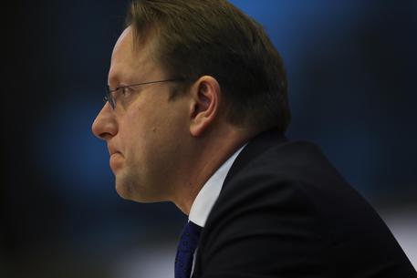 Commissario Ungheria Varhelyi passa test