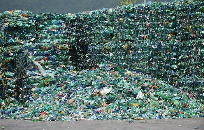 Manovra, 400 emendamenti M5s, stop a tasse su bioplastica