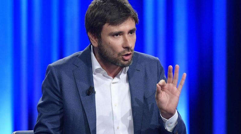 M5s e Di Battista: 'Via ai 2 mandati? Non sarebbe mio Movimento'