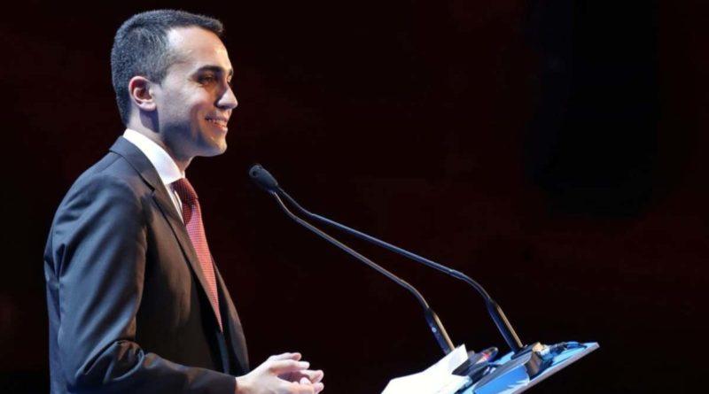 Nel M5S vince il sì alle liste, Di Maio: 'Correremo da soli'