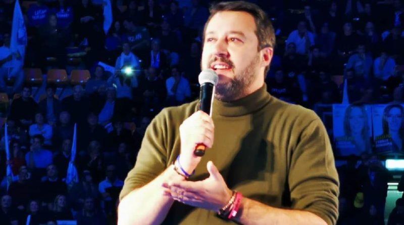 Salvini contestato nel Bolognese: la reazione del leghista