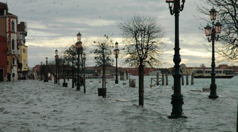 Venezia: acqua alta, risarcimenti a stralci per Coronavirus