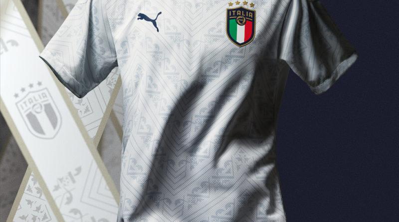 Nazionale di Calcio. L'Italia giocherà in bianco