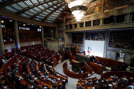Francia: età pensione resta a 62 anni