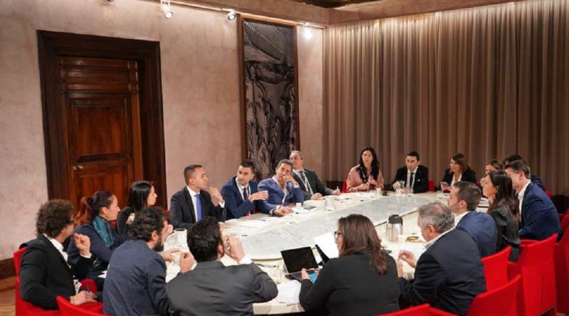 """Di Maio ridisegna il M5s, presentati i facilitatori: """"E' il team del futuro"""""""