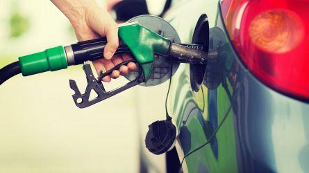 Manovra, stangata su benzina e gasolio: nel 2021 aumentano le accise