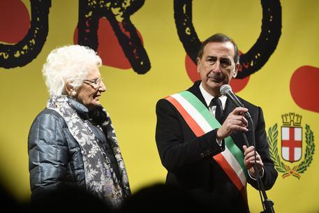Liliana Segre, l'Italia dei sindaci in marcia con lei a Milano