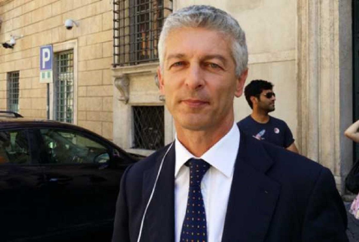 """Calabria, interdizione Vincenzo Cesareo – MORRA (M5s): """"Politica tipica della mafiosità con cui si elargiscono favori…"""""""