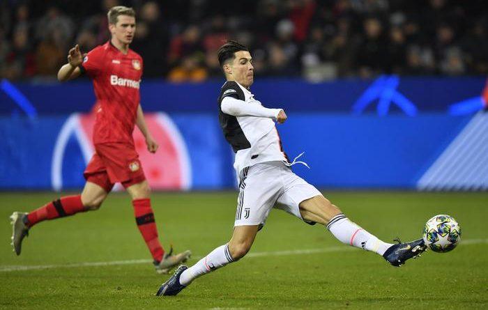 Champions, Bayer-Juventus 0-2. Sarri si consola con Ronaldo e Higuain